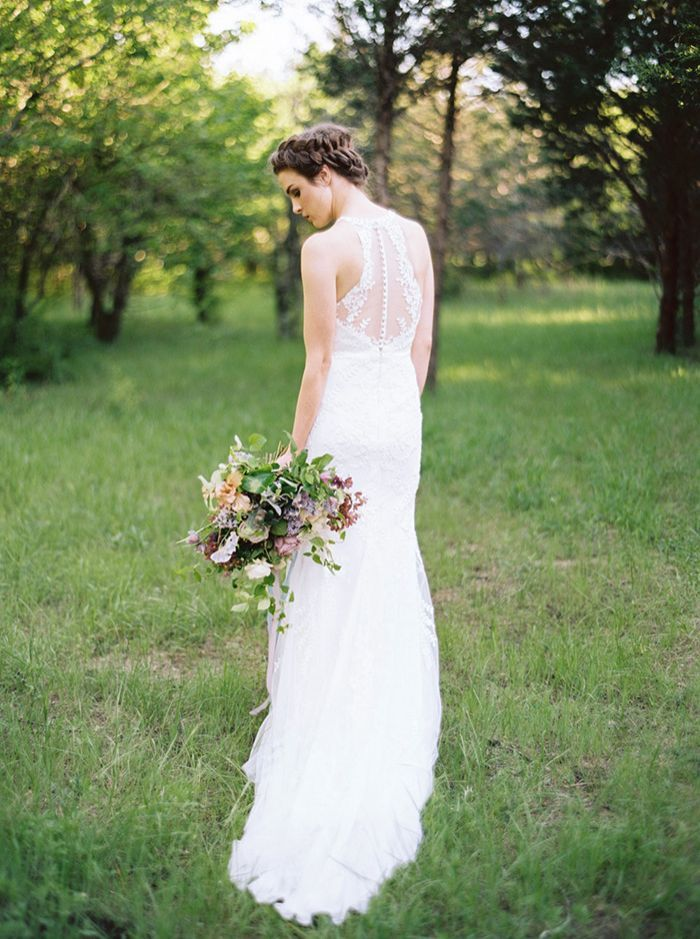 2-simple-lace-wedding-gown