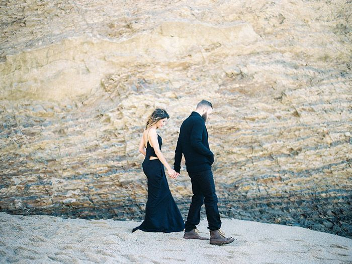 23-natural-beach-engagement-session