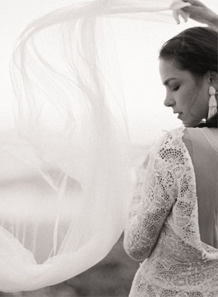 29-romantic-lace-wedding-gown