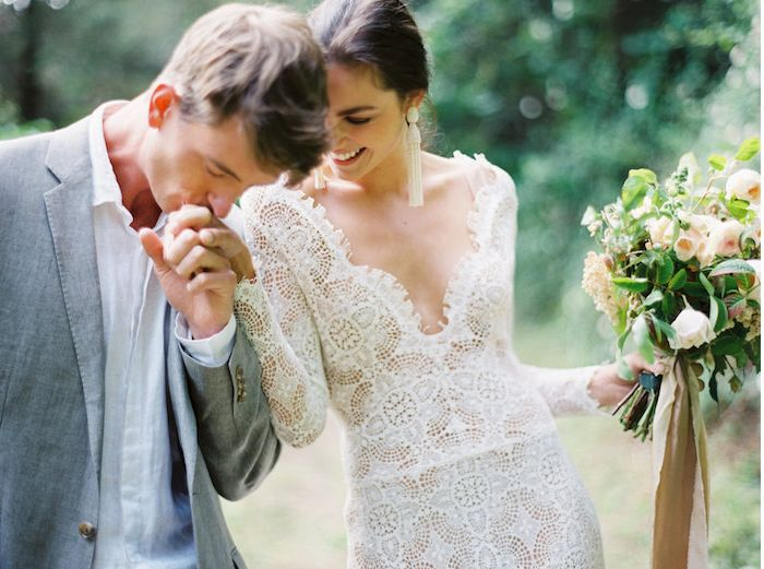 3-romantic-lace-wedding-gown