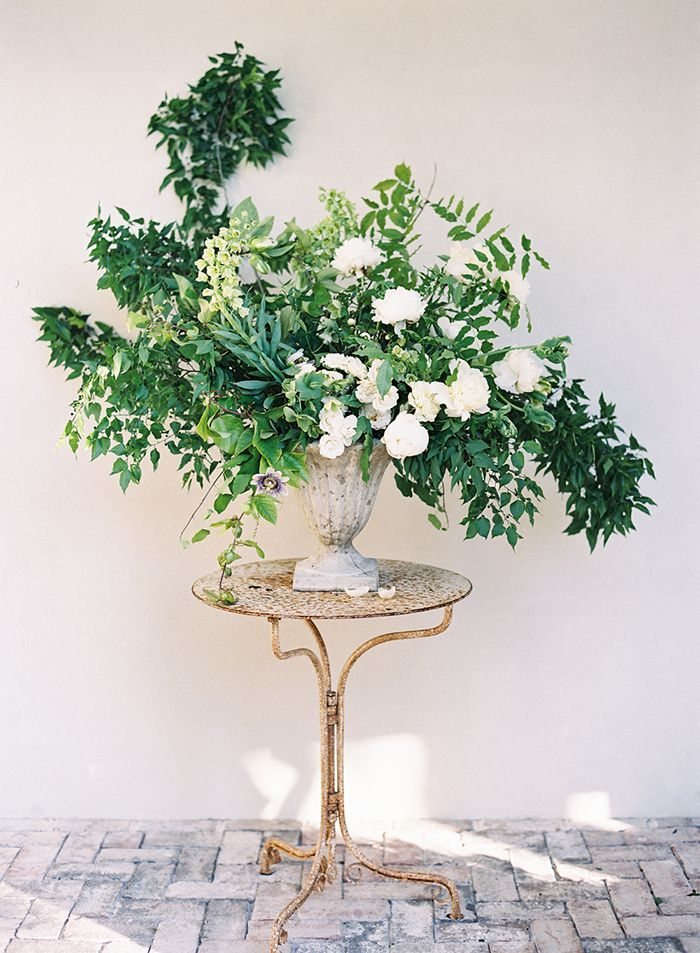 6-natural-green-white-wedding-inspiration