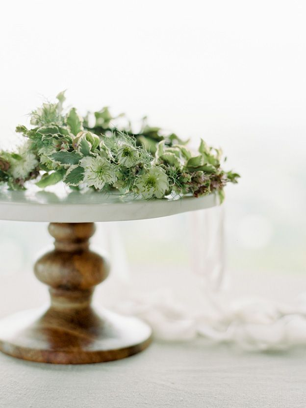 8-natural-green-white-wedding-inspiration