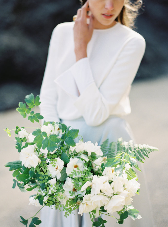 soil-stem-white-wedding-bouquet-green