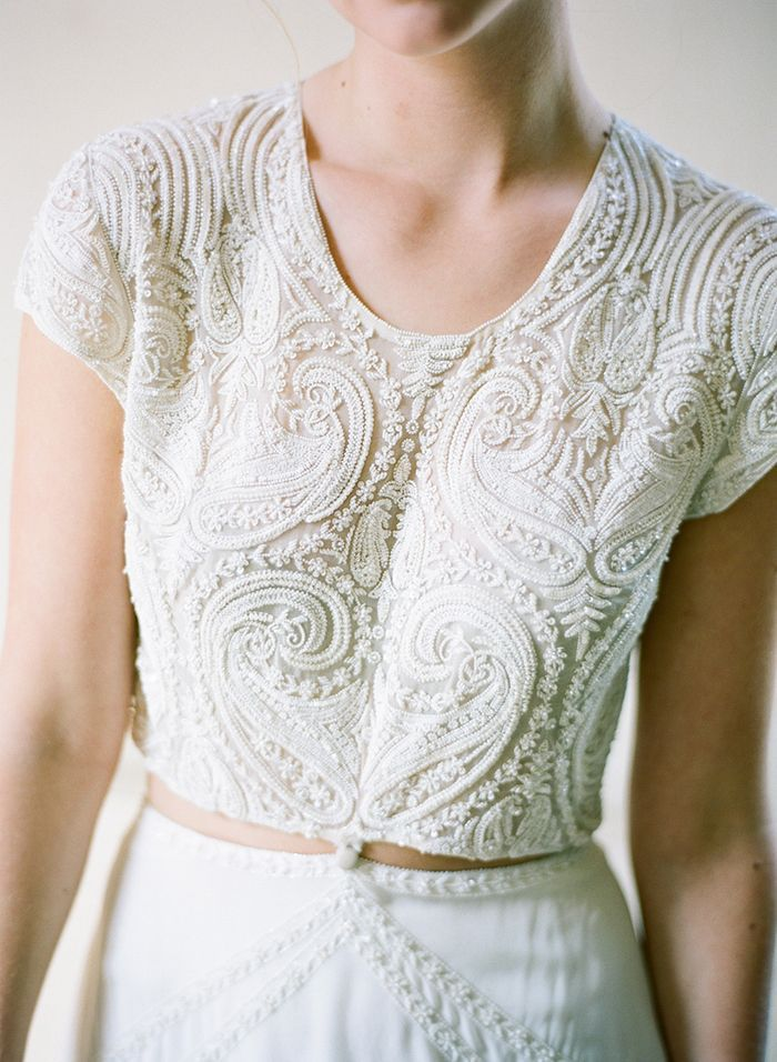 10-modern-lace-wedding-gown