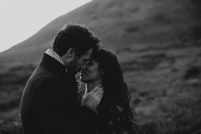 10-romantic-outdoor-engagement-session