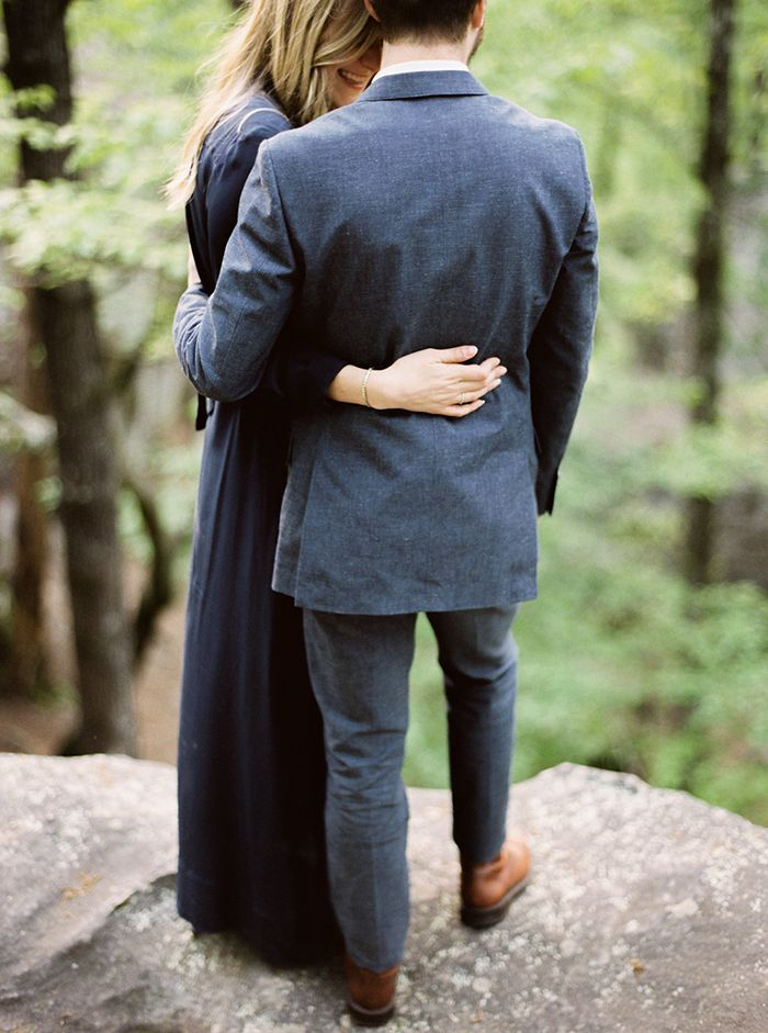 11-romantic-outdoor-engagement-session