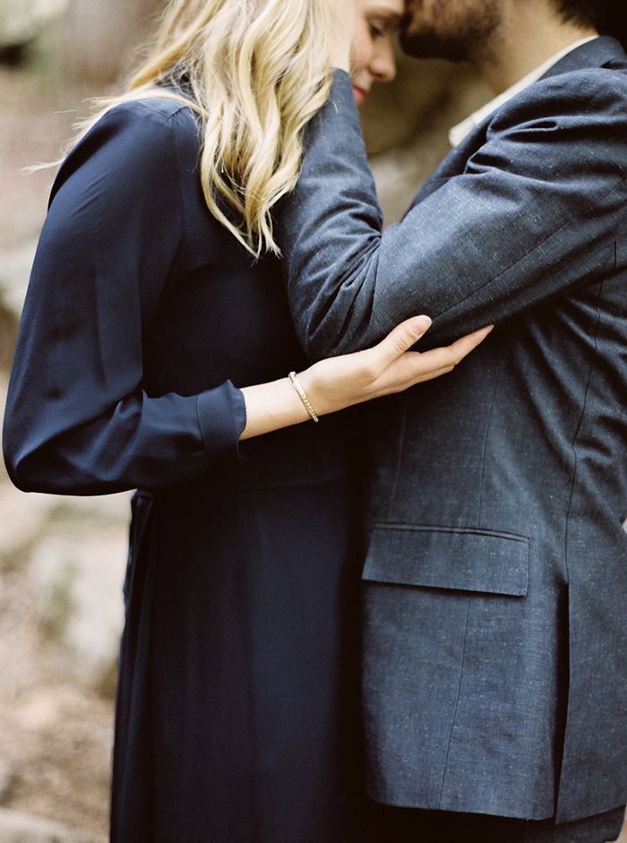 15-navy-outdoor-wedding-inspiration