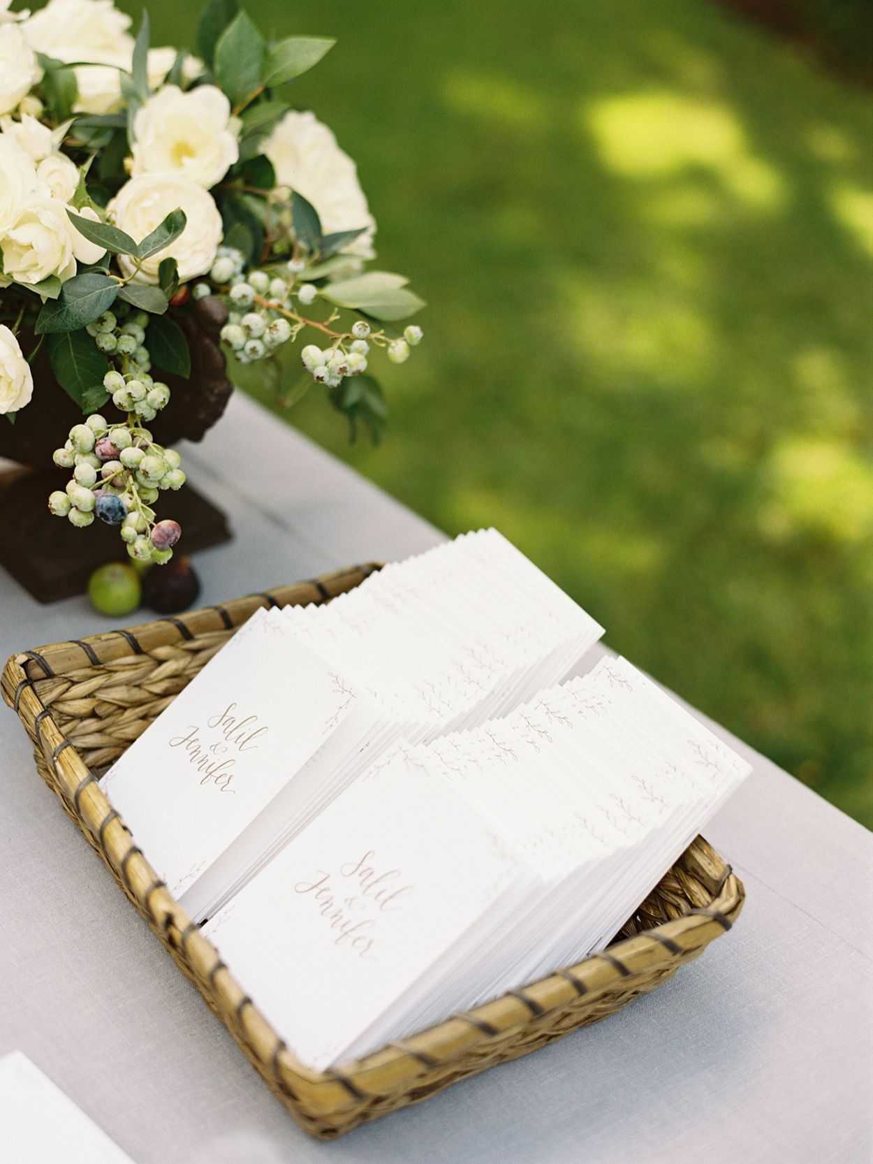 15-simple-outdoor-wedding-inspiration
