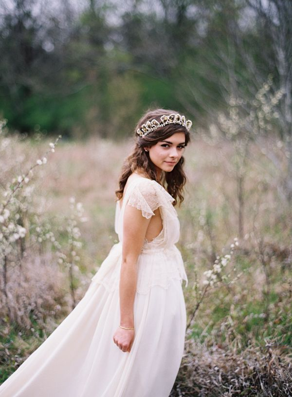 20-rylee-hitchner-ethereal-lace-wedding-gown
