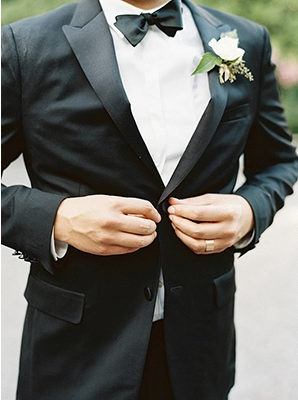 27-elegant-black-tie-garden-wedding
