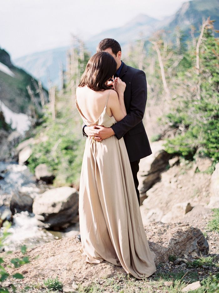 1-romantic-mountain-engagement