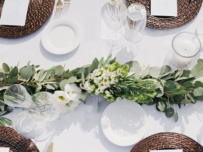 10-green-white-natural-wedding-inspiration
