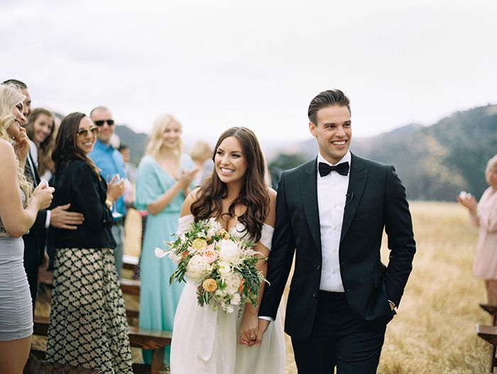 11-intimate-outdoor-mountain-wedding