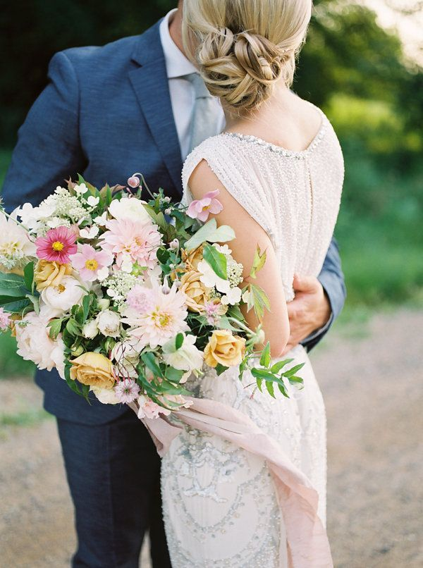 12-romantic-glam-wedding-inspiration