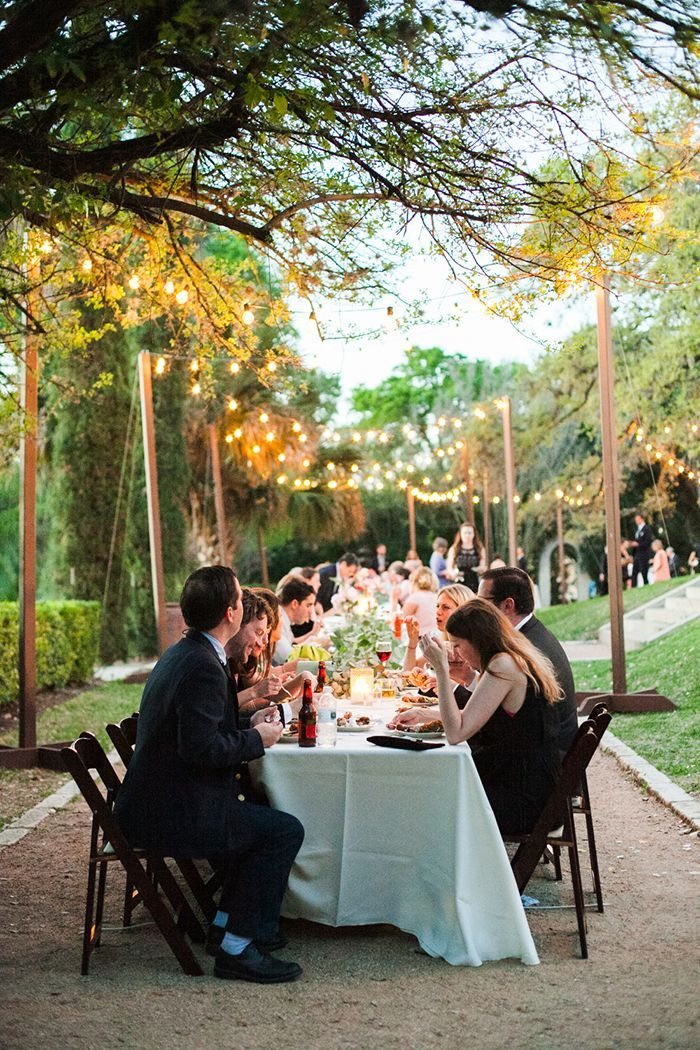 16-intimate-backyard-wedding-reception