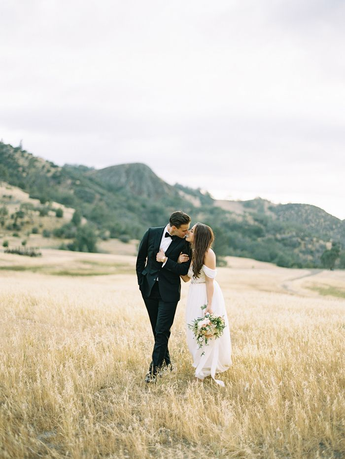 19-rustic-mountainside-wedding