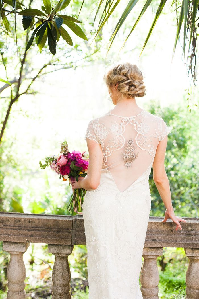 3-elegant-lace-wedding-gown