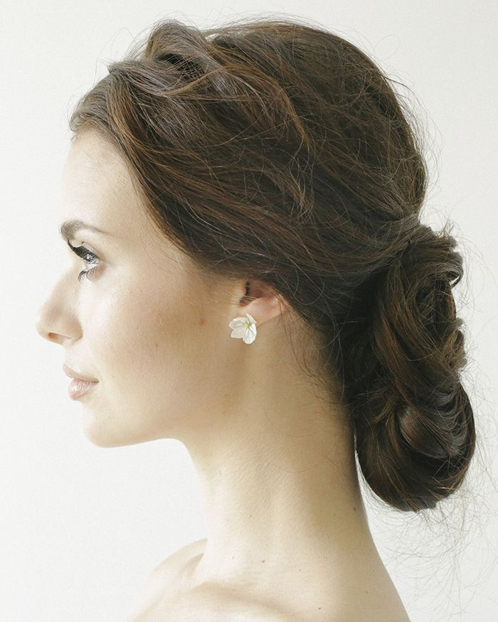 4-elegant-wedding-hairstyles