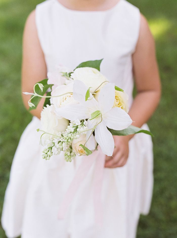 4-fresh-spring-wedding-green-white