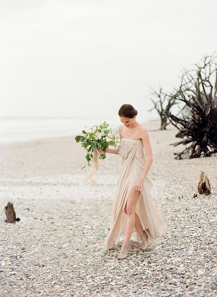 7-romantic-charleston-beach-elopement