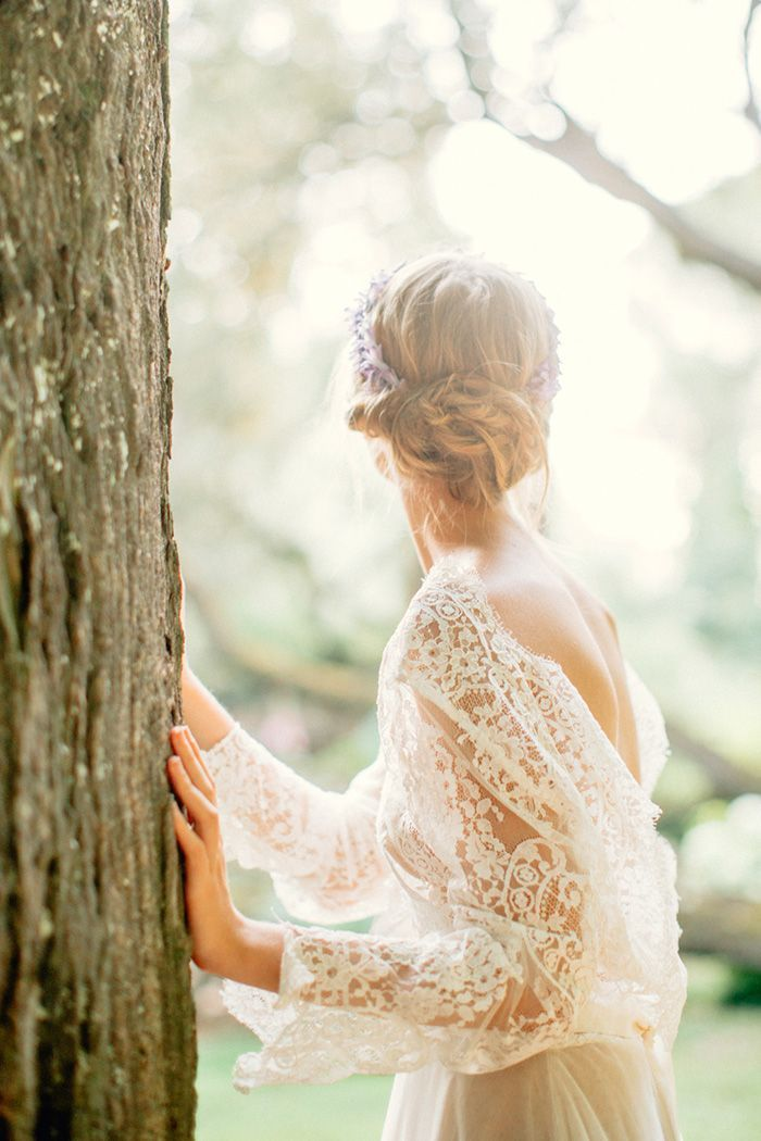 11-ethereal-lace-wedding