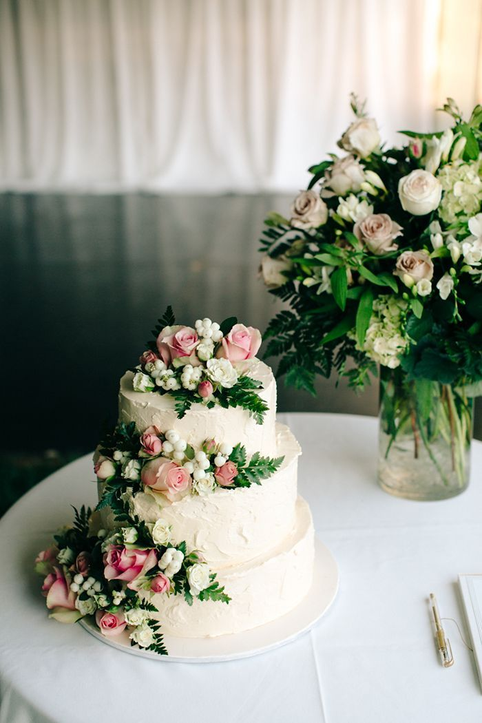 20-pink-white-green-wedding-cake