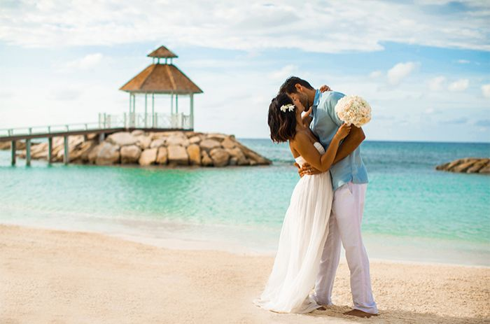 Start planning your dream destination wedding with hyatt for How to start planning a destination wedding