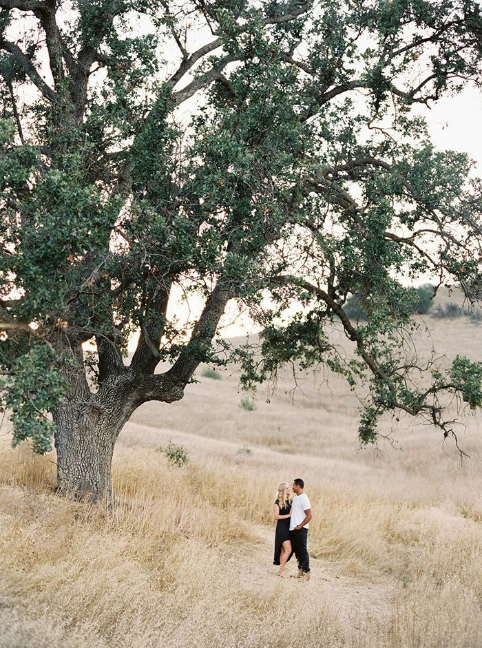 5-romantic-outdoor-engagement