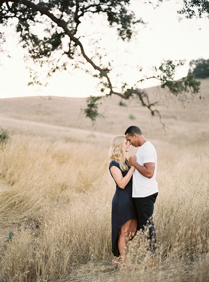 7-simple-black-white-navy-engagement-session