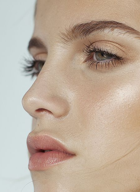 A peach lip is a delicate yet deliberate beauty choice that flows with this spring color palette.