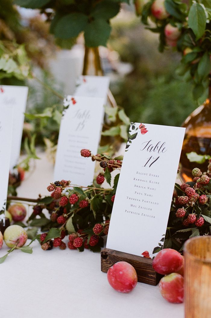 10-red-outdoor-wedding-reception