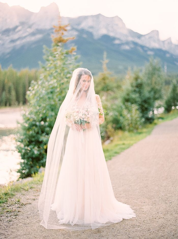 12-romantic-elegant-mountain-wedding