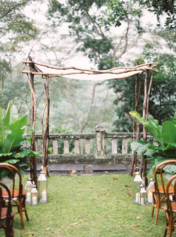 15-outdoor-bali-wedding-arch