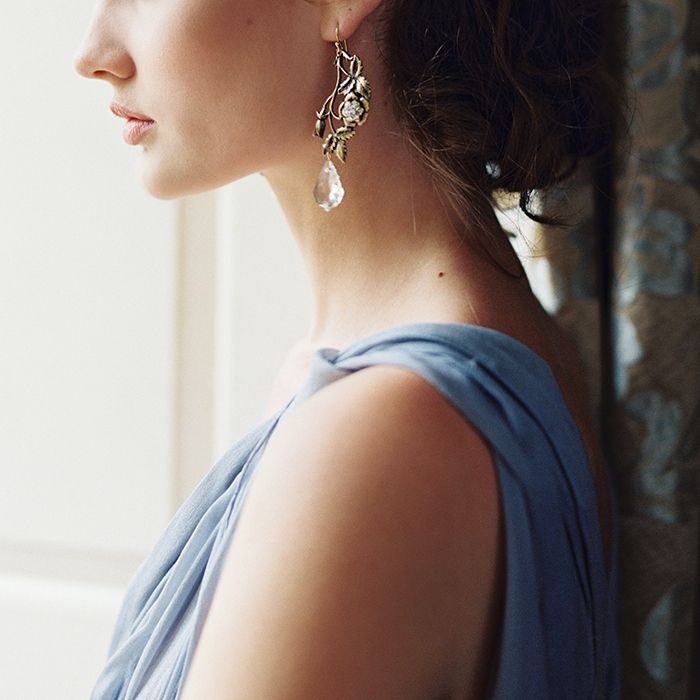 3-elegant-glam-wedding-jewelry