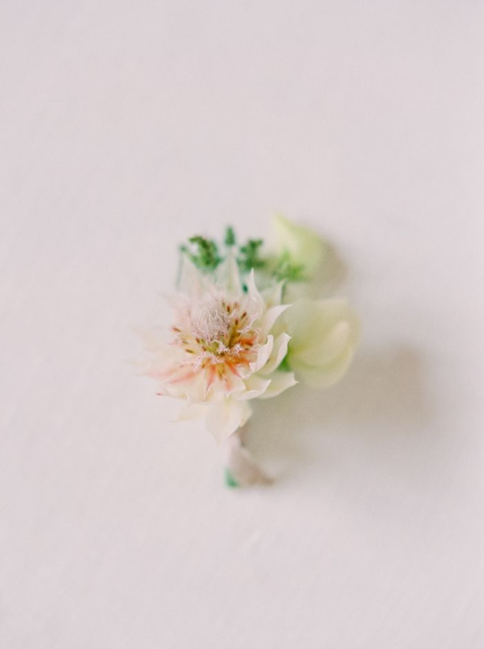 5-2-simple-spring-wedding-inspiration