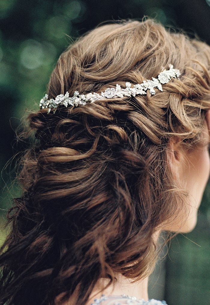 5-delicate-wedding-hair-piece