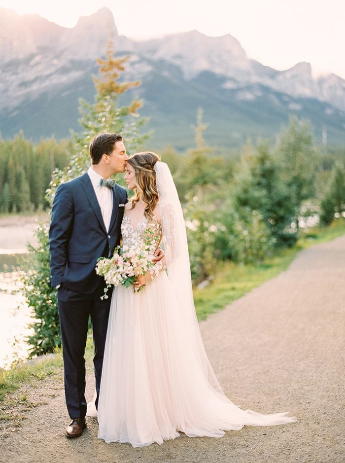 9-romantic-elegant-mountain-wedding