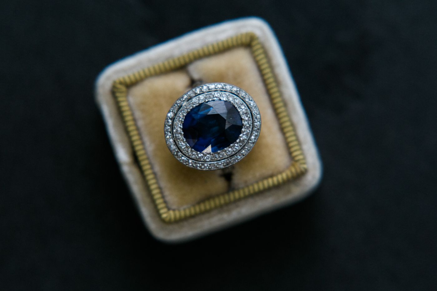 Provence, Edwardian (belle epoch era), French hallmarks, 4.85ct unheated sapphire.