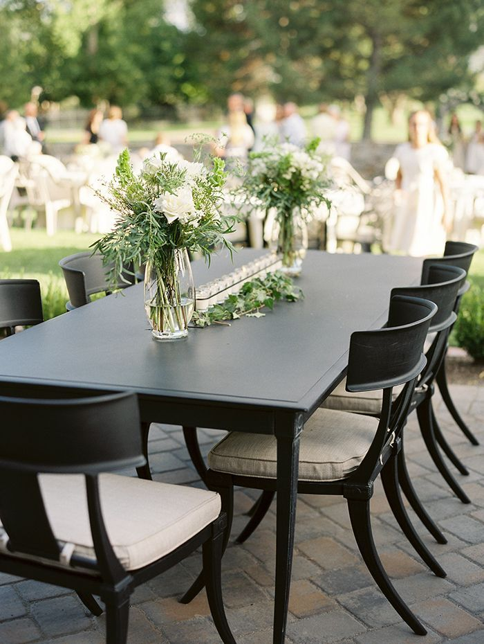 10-modern-black-wedding-decor