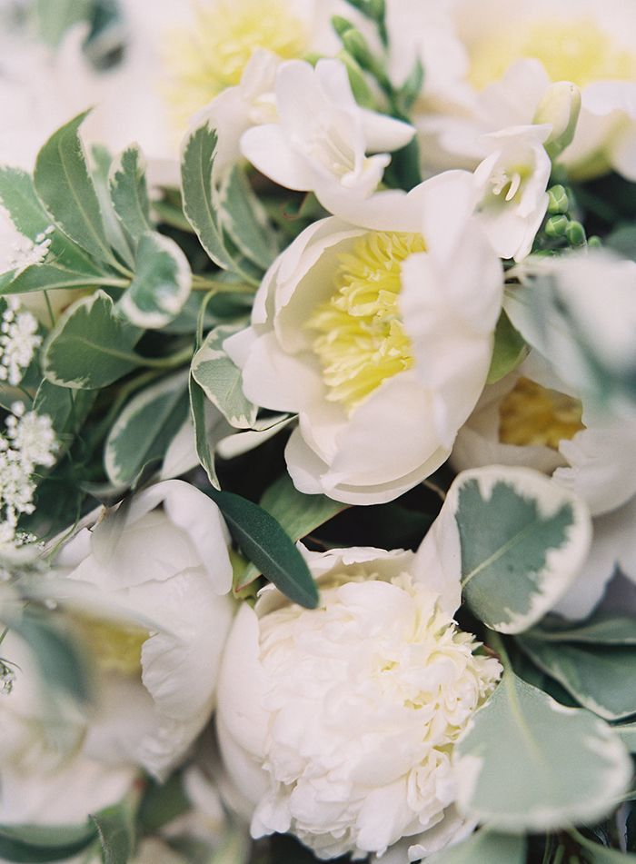 10-white-green-wedding-inspiration
