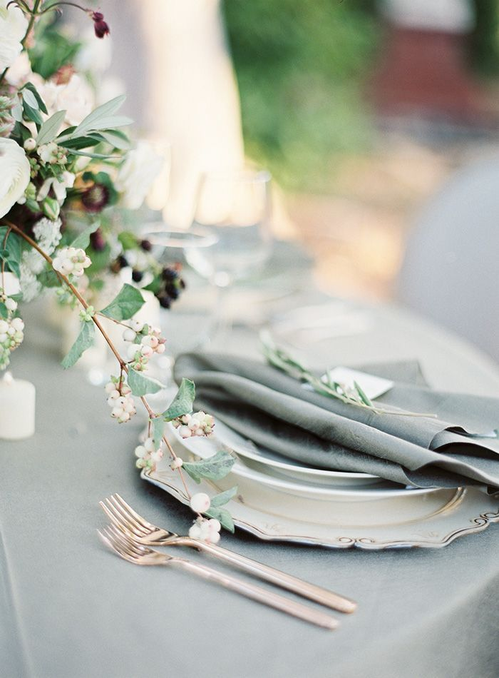13-grey-garden-wedding-inspiration
