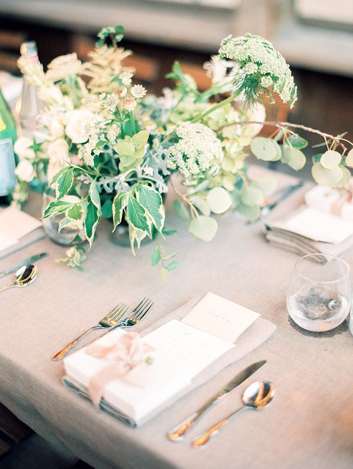 17-green-white-natural-wedding-decor