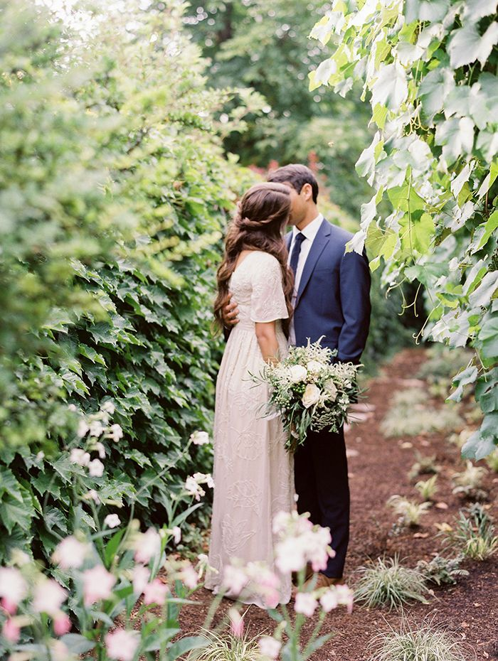 17-simple-garden-wedding-inspiration