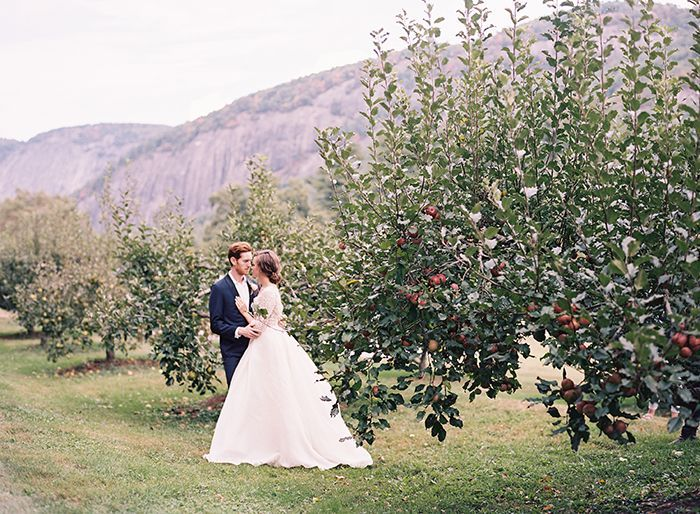 6-elegant-fall-outdoor-orchard-wedding