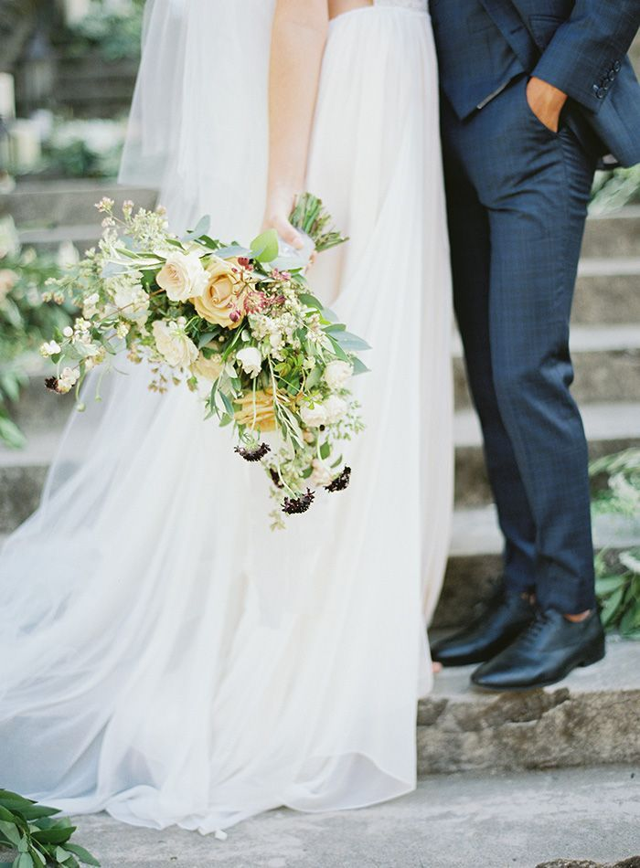 6-peach-white-green-navy-wedding-inspiration