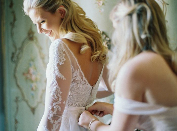 7-elegant-lace-wedding-gown