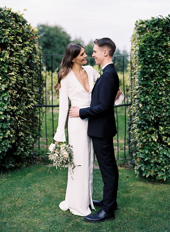 1-elegant-modern-garden-wedding