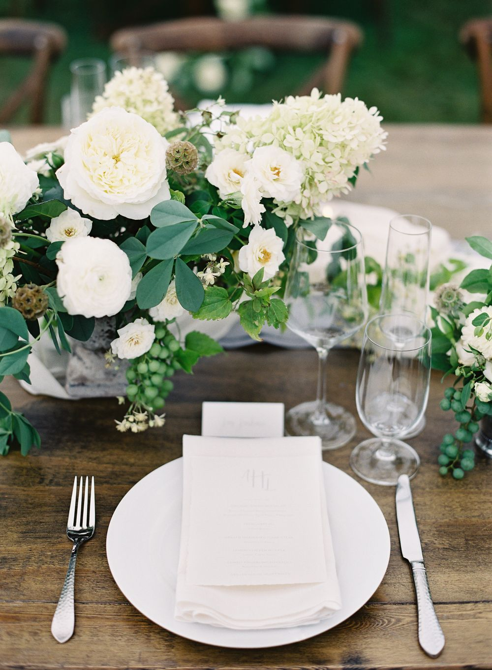 12-white-green-natural-wedding