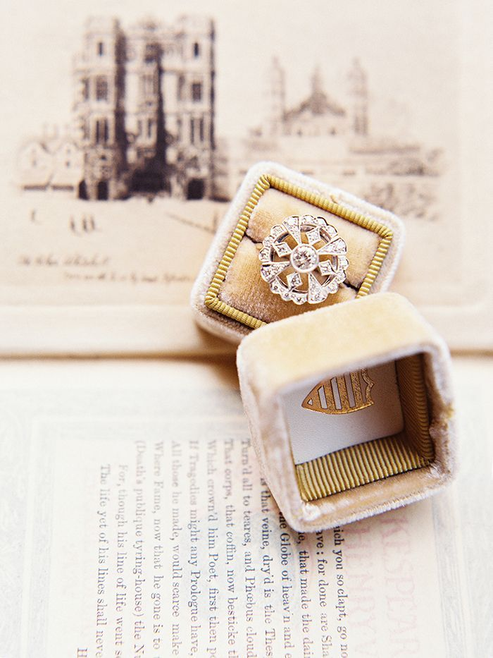 14-vintage-engagement-ring-inspiration