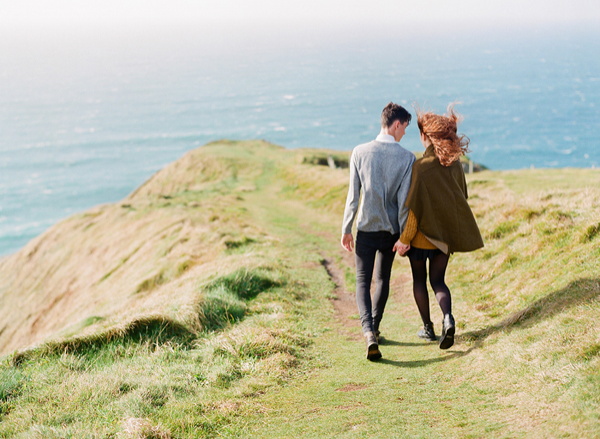 IRELAND: Breathtaking Engagement | The Cliffs of Moher make the perfect backdrop for the most stunning engagement session.